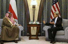 U.S. Secretary of State John Kerry (R) meets with Kuwait's Foreign Minister Sheikh Sabah Al-Sabah at a hotel in Riyadh, March 4, 2013.