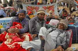 Relief Groups Increase Aid to Foreigners Fleeing Libya