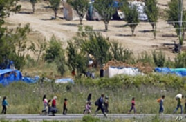 Syrian Military Advance Forces Hundreds More into Turkey