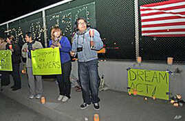 Illegal Immigrants in US Push for Passage of DREAM Act