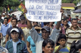 Bolivians March Against Police Crackdown on Indigenous Protesters