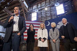 Republican presidential candidate former Massachusetts Governor Mitt Romney speaks at a campaign event in Conway, South Carolina, Jan. 6, 2012.