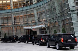 The motorcade of Republican presidential candidate Donald Trump stands outside the Le Cirque restaurant during a fundraising event in Manhattan, New York City, U.S., June 21, 2016.