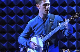 Jayme Stone playing in New York's famed Joe's Pub.