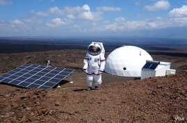 A HI-SEAS crewmember participates in a year-long simulated Mars mission in Mauna Loa, Hawaii.(Courtesy Universiry of Hawaii / HI-SEAS)