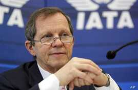 IATA's Director General and CEO Giovanni Bisignani talks to journalists at the IATA's (International Air Transport Association) AVSEC conference in Frankfurt, central Germany (File Photo)