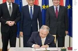 Poland Ratifies EU Treaty