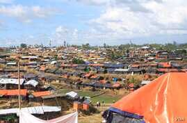 Thousands of Muslim Rohingya live in makeshift shelters at a refugee camp in Bangladesh. (Photo courtesy of Dr. Imran Akbar)