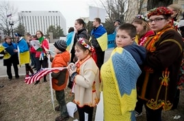 Ukrainian-Americans join a protest rally in front of Russian embassy, Washington, March 2, 2014.