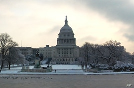 The capitol building in Washington, D.C. blanketed in show, 03 Feb 2010