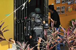 Malaysia Hostage Standoff Ends, Children Unharmed