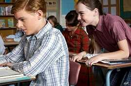 Reiner Takes Nostalgic Look at Teen Love in 'Flipped'
