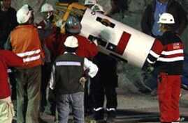 Chilean Rescue Workers Running Final Tests on Capsule
