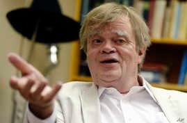 "FILE - Garrison Keillor, creator and host of ""A Prairie Home Companion,"" - seen in this July 20, 2015 photo - says on Dec. 7, 2017, Minnesota Public Radio shouldn't have dismissed him last week without fully investigating what the radio station has c"