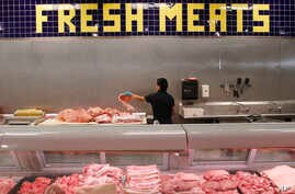 FILE - Researchers found a correlation between risk of heart disease and eating red meat.