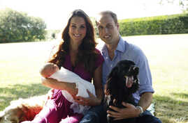 A handout picture released on August 19, 2013 by  Kensington Palace shows Prince William, Duke of Cambridge, his wife Catherine, Duchess of Cambridge, with their newborn baby boy, Prince George of Cambridge, Tilly the retriever (L), a Middleton famil