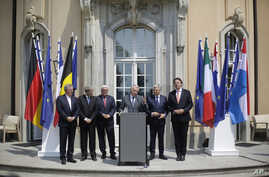The Foreign Ministers from EU's founding six Jean Asselborn from Luxemburg, Paolo Gentiloni from Italy, Frank-Walter Steinmeier from Germany, Jean-Marc Ayrault from France, Didier Reynders from Belgium and Bert Koenders from the Netherlands, brief th...