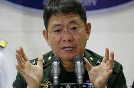 Philippine military chief of staff Gen. Eduardo Ano gestures during a press conference to announce that Philippine troops had killed  a key Abu Sayyaf commander, April 12, 2017.