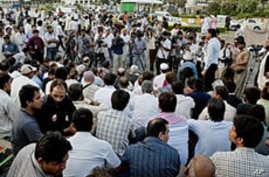 Killings, Abductions Spike in Pakistan Among Journalists, Rights Workers
