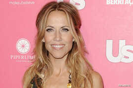 Singer Sheryl Crow arrives at the Us Weekly Hot Hollywood Style Issue Event in Hollywood, California April 22, 2010. (File photo)