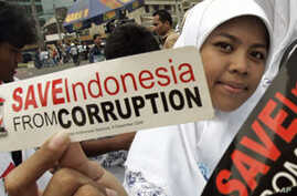 Indonesians Wage War Against Corruption in Education