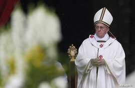 Pope Francis celebrates mass for confraternities, Saint Peter's Square, the Vatican, May 5, 2013.