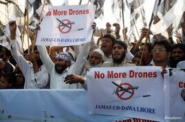 Supporters of the Jamaat-ud-Dawa Islamic organization protest U.S. drone attacks, Lahore, Nov. 1, 2013.