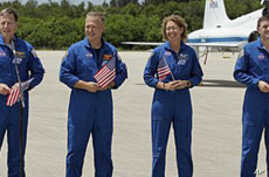 Atlantis Astronauts Arrive, Tourists Follow for Final Shuttle Launch