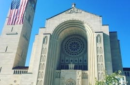 The Basilica of the National Shrine of the Immaculate Conception in Washington. (S. Lemaire/VOA)