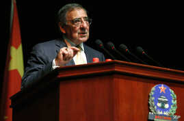 U.S. Secretary of Defense Leon Panetta addresses cadets at the Engineering Academy of PLA Armored Forces, in Beijing, Sept. 19, 2012.