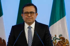 Mexico's Economy Secretary Ildefonso Guajardo Villarreal attends a press conference at the end of the second round of NAFTA renegotiations with the U.S. and Canada in Mexico City,Sept. 5, 2017.