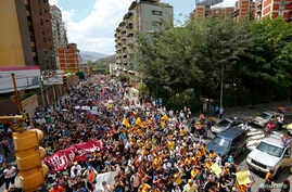 Opposition supporters demonstrate against Venezuela's President Nicolas Maduro's government in Caracas, Feb 12, 2014.