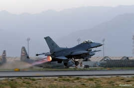 A U.S. Air Force F-16 Fighting Falcon aircraft takes off for a mission from Bagram Airfield, Afghanistan, Aug. 22, 2017.