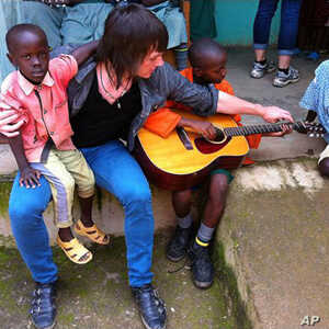 US Students Spread Musical Message in Kenya