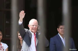 Peru's President Pedro Pablo Kuczynski leaves Government Palace after presenting his resignation to Congress in Lima, Peru, March 21, 2018.