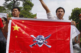Vietnamese Protesters Denounce China in Maritime Dispute