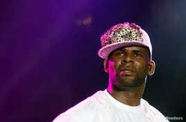 FILE - U.S. vocalist, songwriter and producer R. Kelly performs at the St Lucia Jazz and Arts Festival at Pigeon Island National Landmark, May 12, 2013.