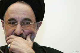 Former Iranian President Mohammad Khatami attends a meeting on peace at the Gregorian Pontifical University in Rome May 3, 2007.