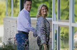 Republican presidential candidate, former Massachusetts Governor Mitt Romney and his wife, Ann, arrive at Brewster Academy, for convention preparations in Wolfeboro, New Hampshire, Aug. 27, 2012.