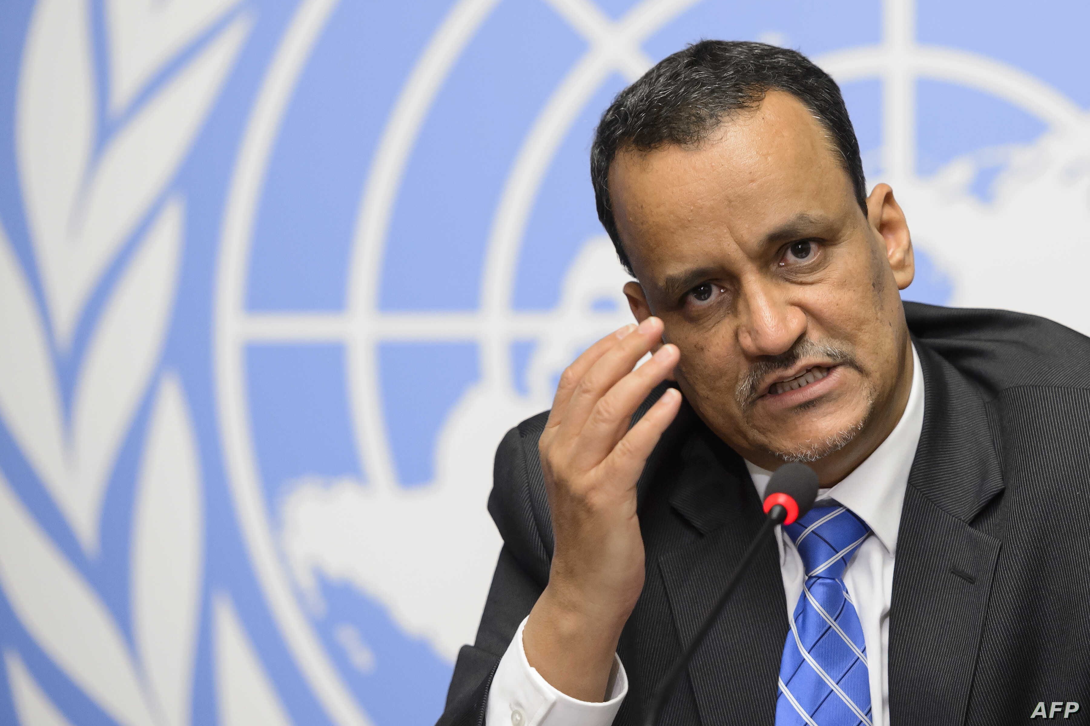 The United Nations Special Envoy for Yemen, Ismail Ould Cheikh Ahmed gestures during a press conference after the peace talks on Yemen, on June 19, 2015 at the UN offices at Geneva.