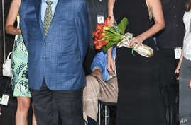 Singers Tony Bennett (L) and Lady Gaga appear at the Empire State Building in honor of Bennett's 90th birthday, Aug. 3, 2016, in New York.