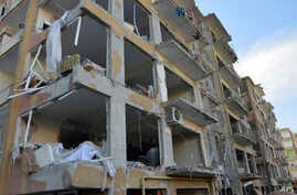 An apartment block damaged by car bomb in the southeastern Turkish city of Diyarbakir, Nov. 5, 2016. The Islamic State reportedly  claimed responsibility for attack that left several people dead.