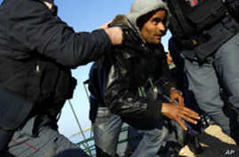 Tensions Rise in Lampedusa As Immigrant Influx Continues