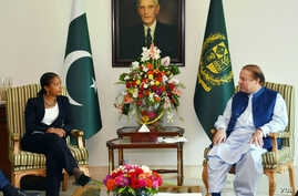 U.S. National Security Adviser Susan Rice calls on Prime Minister Muhammad Nawaz Sharif at the PM House, Islamabad, Pakistan, Aug. 30, 2015.