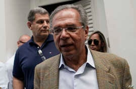 Paulo Guedes, head economic adviser of President-elect Jair Bolsonaro, leaves after a meeting with Bolsonaro and members of his party and campaign, to discuss the presidential transition in Rio de Janeiro, Brazil, Oct. 30, 2018.