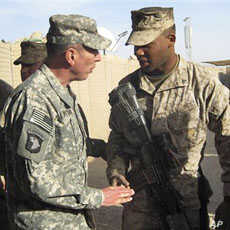 Petraeus: NATO, Afghan, Pakistani Forces to Coordinate More Operations