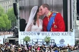 Excited Crowds Fill London Streets for Royal Wedding
