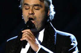 Bocelli Treats New Yorkers to Free Concert; Lil Wayne Could Outsell Lady Gaga
