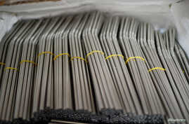 Stainless steel straws are displayed at the cooperative Sin Plastico (Without Plastic), which offers environmentally friendly household items free from plastic materials and packaging, in Bilbao, Spain, April 6, 2018. Britain plans to ban the sale of
