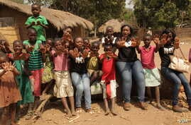 Girls in central Malawi protest child abuse and early marriage. (L. Masina/VOA)